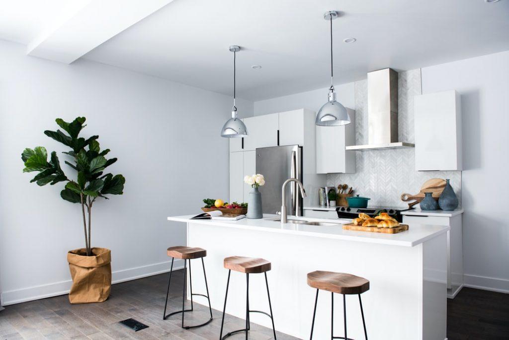 Jaki stołek barowy wybrać do wyspy w kuchni