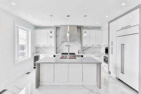 Jak funkcjonalnie zabudować kuchenne urządzenia AGD?